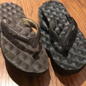 2 pair of reef sandals
